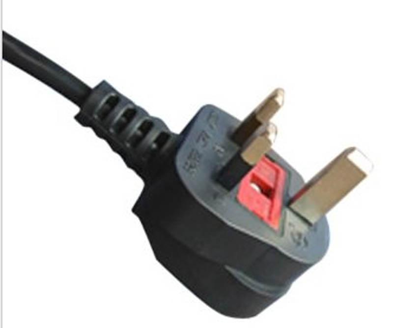 UK Power Lead to IEC C13 Socket 2M